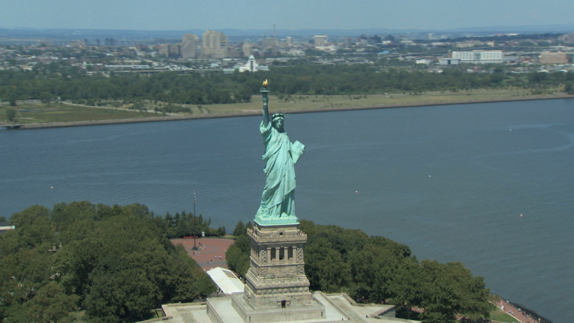 statue of liberty a lie essay The national parks service commissioned an inquire into the link between african americans and the statue of liberty the findings seem plausiblehowever, i'm not.